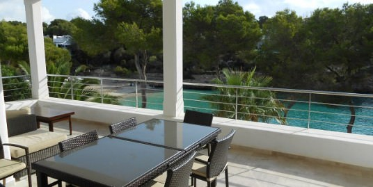 Modern beach frontline villa with direct sea access  Cala D'or