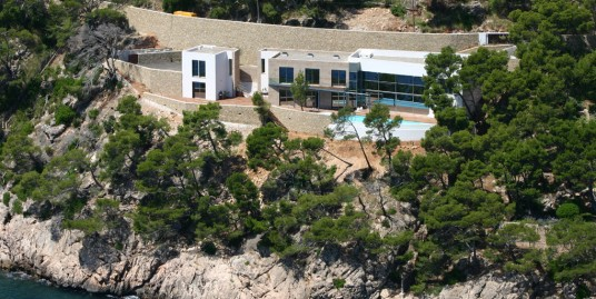 Lux villa by the sea in Formentor