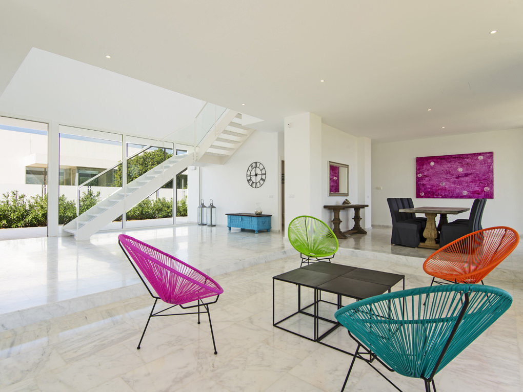 Fantastic modern villa · Close to beach