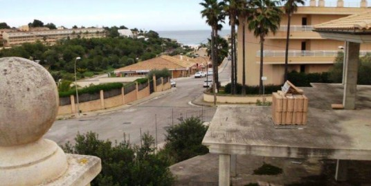 Doppelhaushaelfte  in Porto Cristo