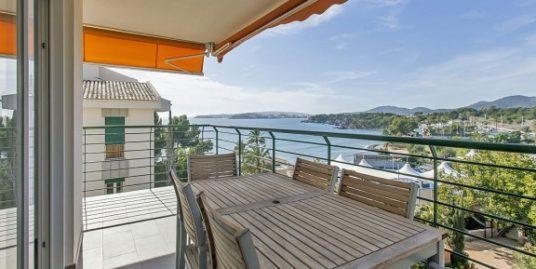 SOEBEN VERKAUFT:  Spektakuläres Meerblick-Apartment, komplett renoviert