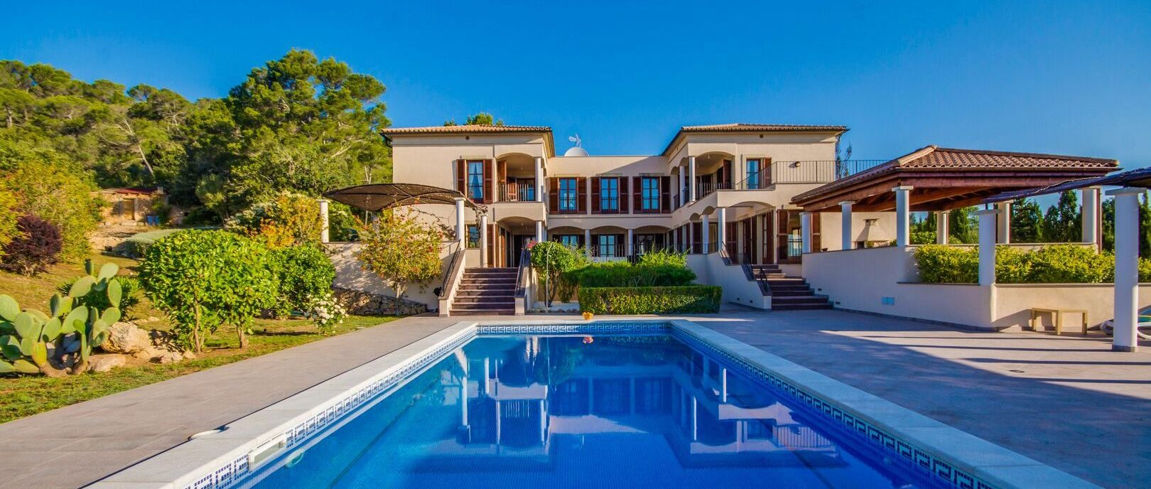 Mallorca-Artà : Großartiges Meerblick-Finca-Anwesen mit Vermietlizenz und 6 Schlafzimmern