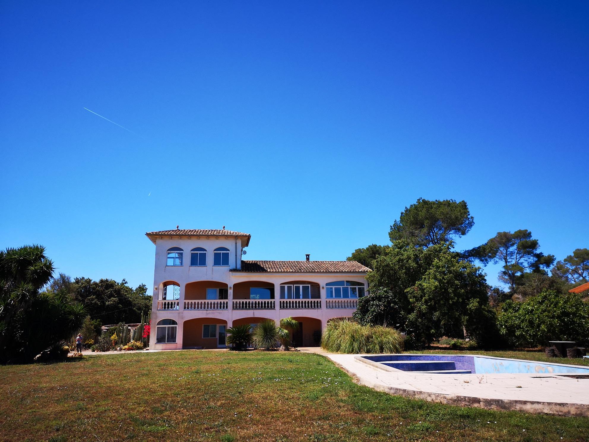 Angebot: Viel Haus (mit herrlichem Fernblick) für erschwingliche 450.000.- €