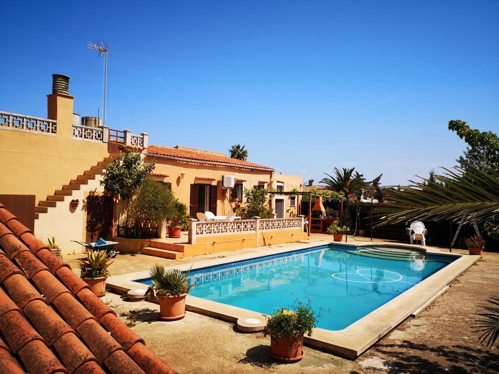 ANGEBOT: Familienfinca mit Pool für nur 450.000.-€ in Llucmajor